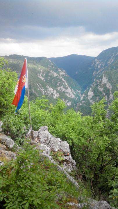 Sklopovi /Pogled prema kanjonu Resave / Beljanica / Photo by T.V.